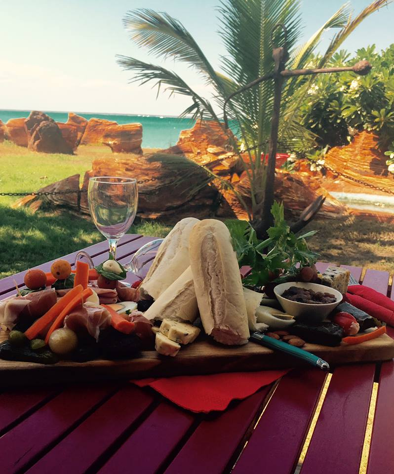bars and restaurants in broome